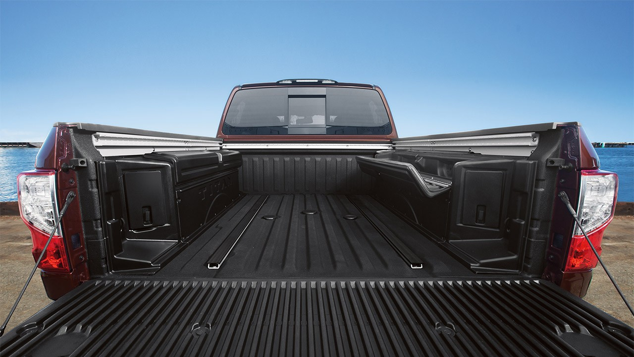2016-nissan-titan-xd-wide-open-bed-large