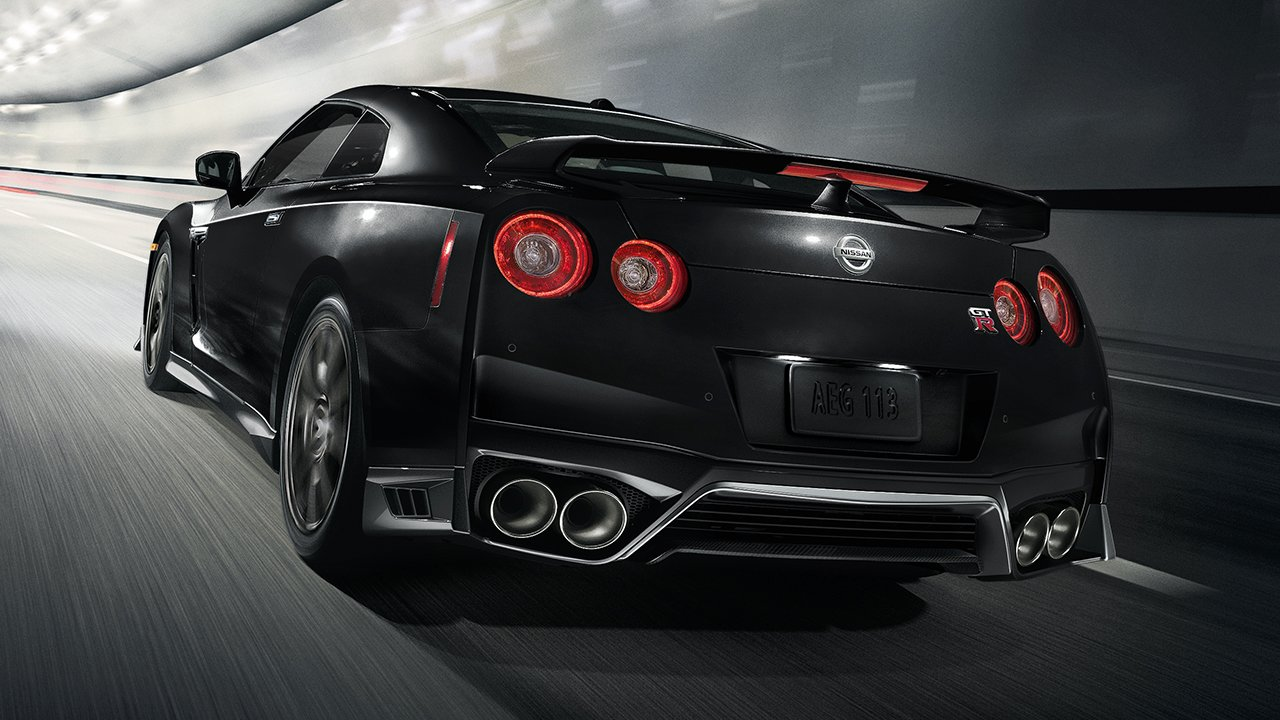 2017-nissan-gtr-black-rear-profile-large