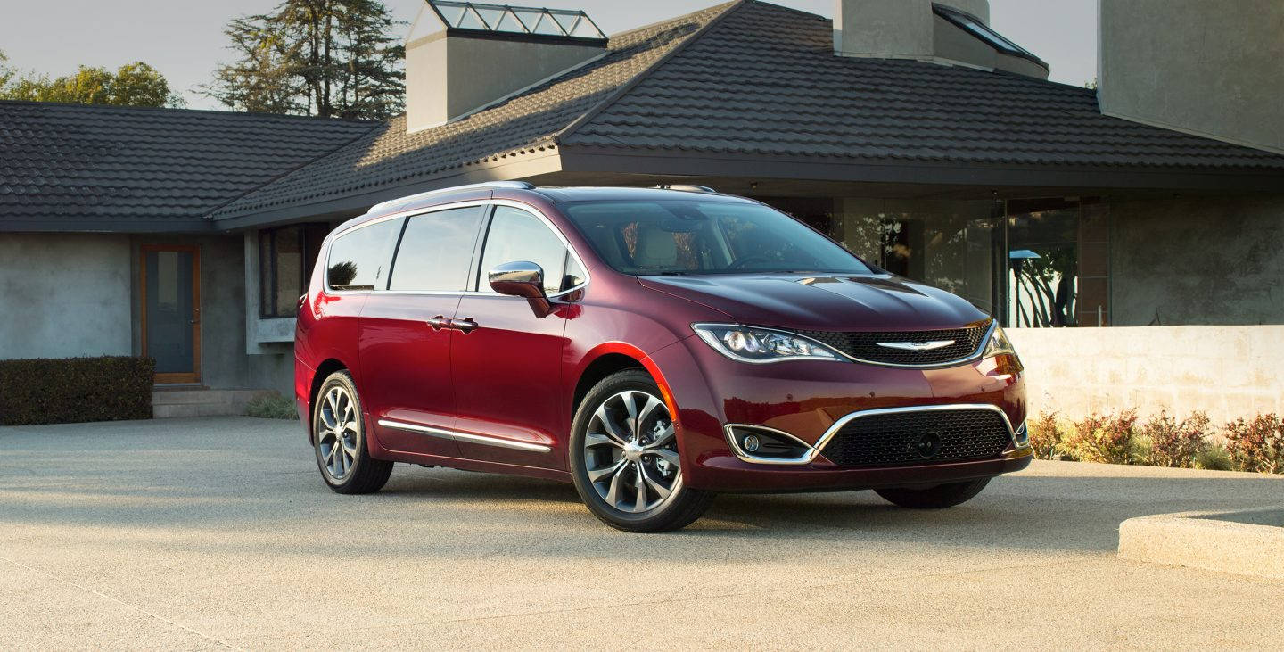 2017-chrysler-pacifica-gallery-exterior-1.jpg.image_.1440